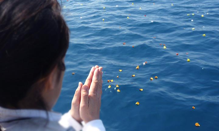 海洋散骨業者のセレモニー
