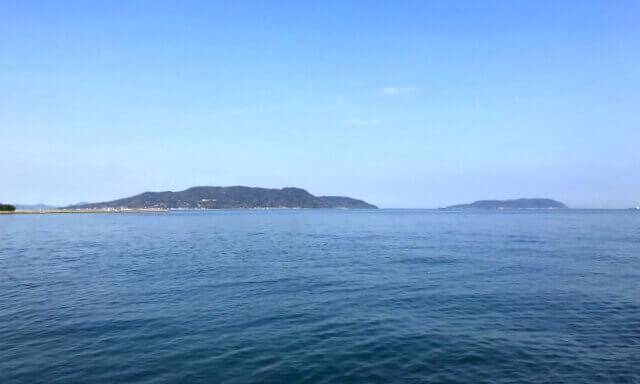 福岡の海洋散骨業者の船上