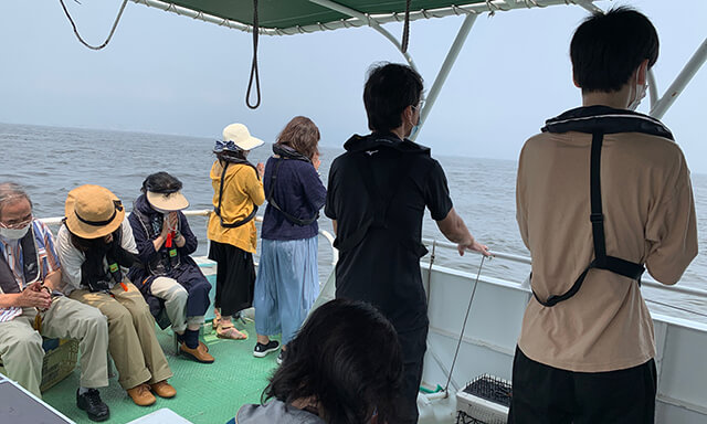 大阪湾での散骨の風景