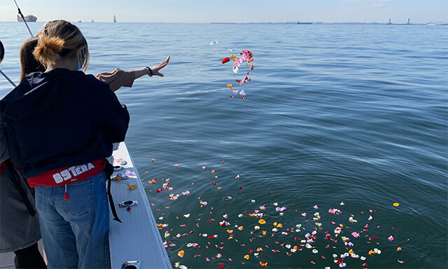 東京湾での海洋散骨業者