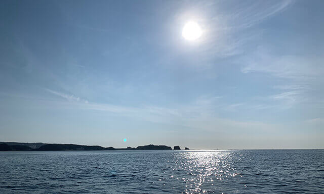 和歌山県南紀田辺の海洋散骨業者の船上